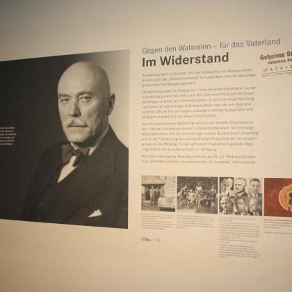 Der Diplomat schließt sich dem Widerstand gegen Hitler an (Foto: Hans Eibauer)