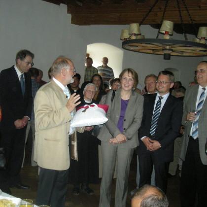 29.8.09_Burgübergabe mit Ansprache von Bürgermeister Herbert Bauer (Foto: Markt Falkenberg)