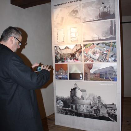 Der Burgensaal wird derzeit zur Information über das Baugeschehen zwischengenutzt (Foto: Hans Eibauer)