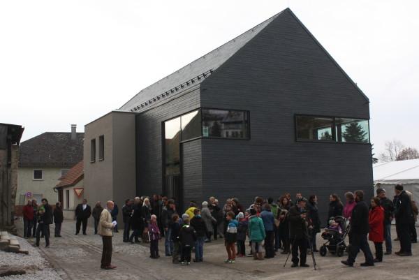 Blick auf das TagungszentrumBurg (TPZ) am Tag der Einweihung am 13.11.15 (Foto: Hans Eibauer