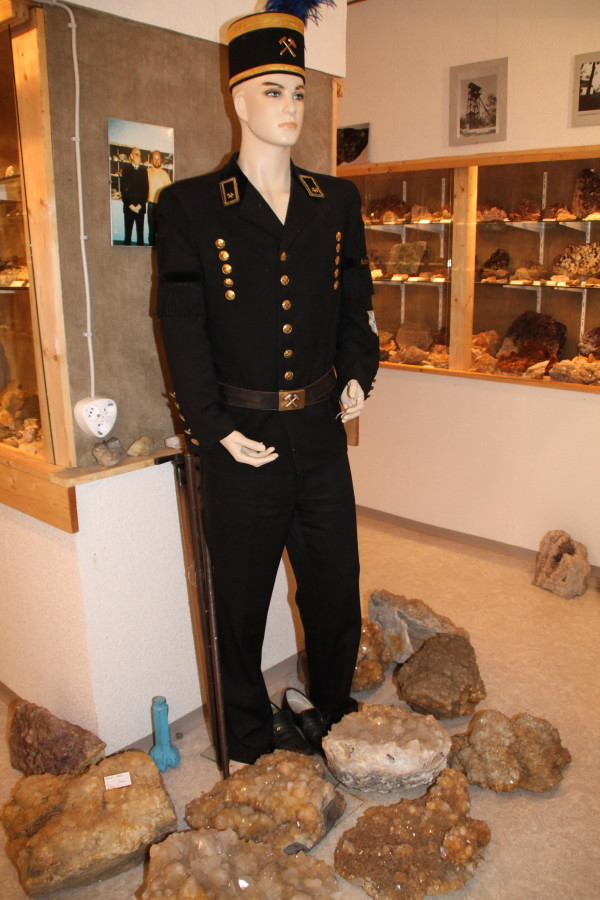 Bergknappe in Tracht im Mineralienmuseum (Foto: Tourismuszentrum Oberpfälzer Wald - Lkr. TIR) )