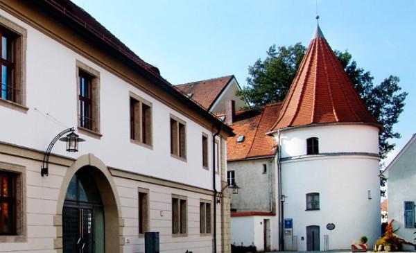 Eingang zur Regionalbibliothek Weiden (Foto: Stadt Weiden)