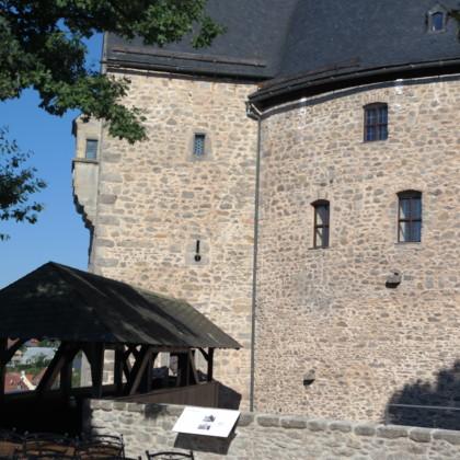 Burg im Sommer