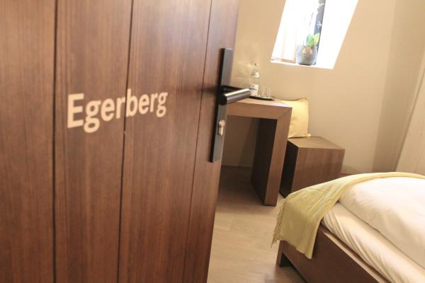 Doppelzimmer Egerberg - Übernachten in der Burg Falkenberg in Bayern